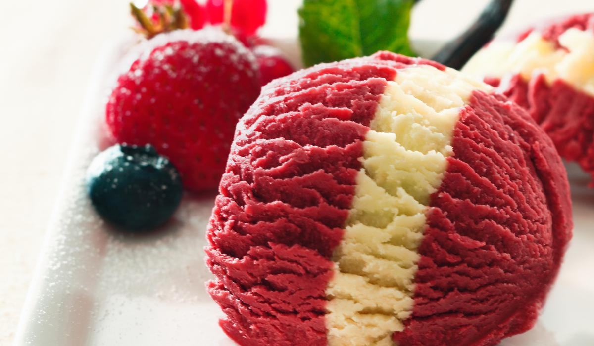 A cukrász végre elmondta az egészséges sikerfagyijának a receptjét! Csupán négy összetevő kell hozzá: